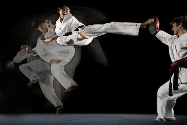 687px-Steven_Ho_Martial_Arts_Kickwide